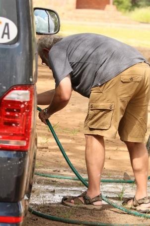 lavage de la voiture qui en a besoin !